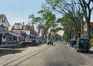 Early postcard of Main Street, Niantic